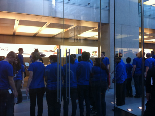 303652652 Apple Retail Store 2.0 now live with interactive iPad displays and more