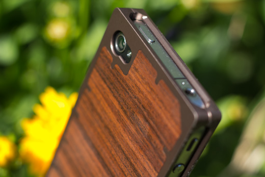 exo10 2 The Exovault EXO10 iPhone case is work of art in wood and metal