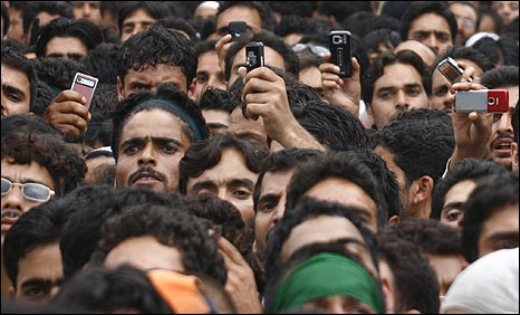 Official: India has only 500 million mobile users, not 800 million