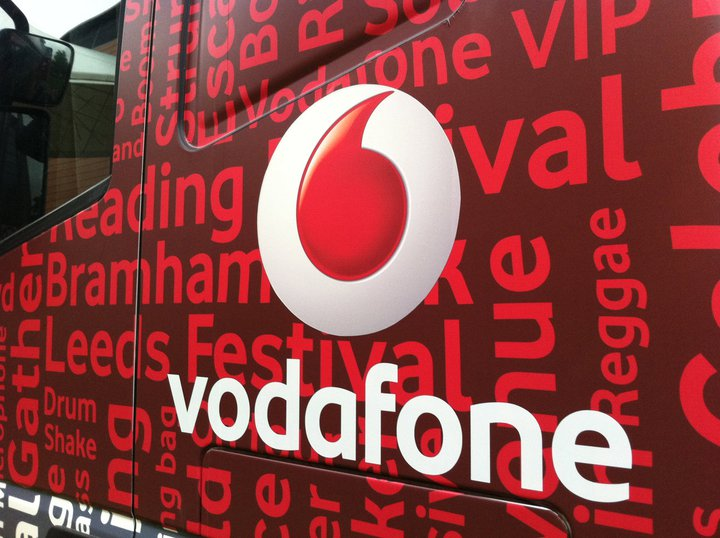 The giant Vodafone truck that can charge 2,000 mobile handsets at one time