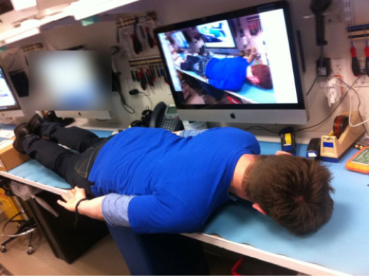 tumblr llmqywOH2C1qkrbzko1 500 Ridiculous planking fad strikes Apple Stores