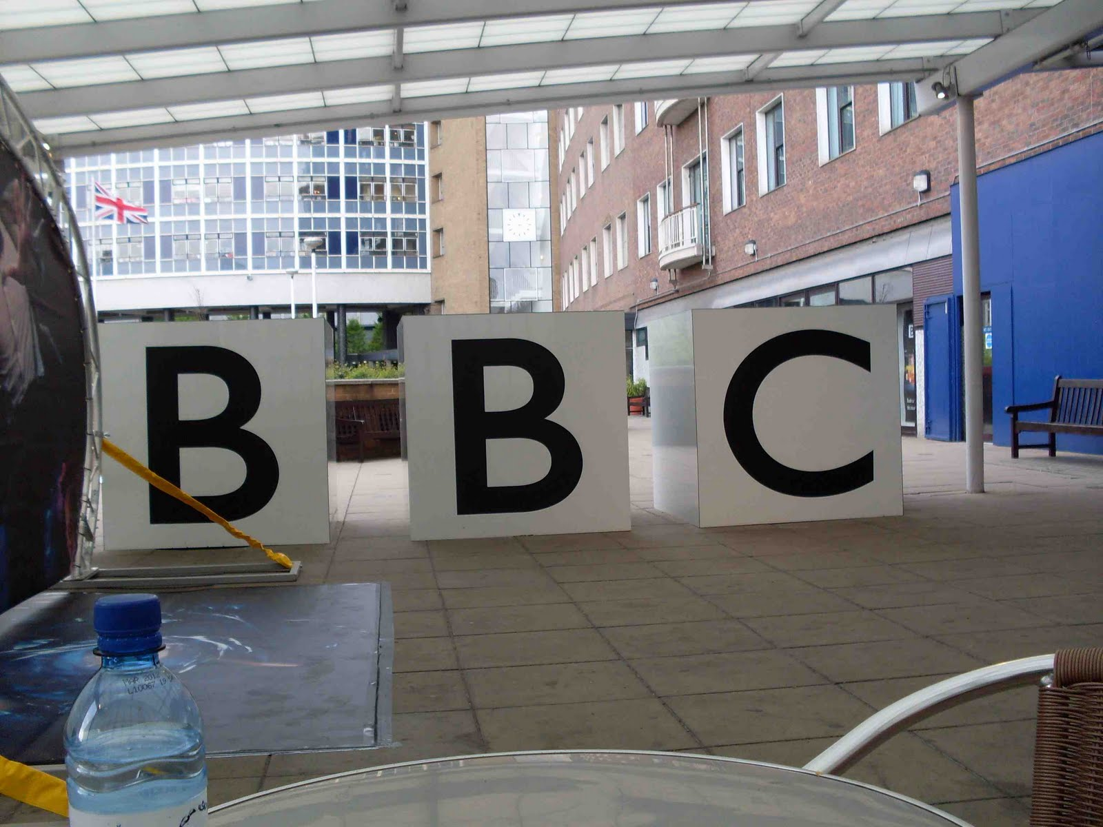 BBC to give reporters custom iPhone app to broadcast live news