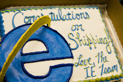 Firefox3CakeFinal400x333 Microsoft sends Mozilla traditional treat to celebrate shipping Firefox 5