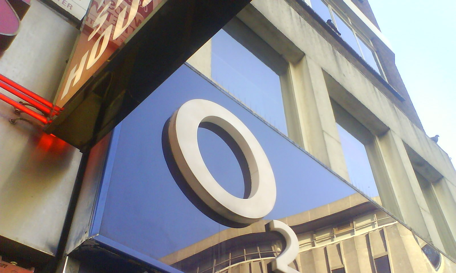O2 network down again in London