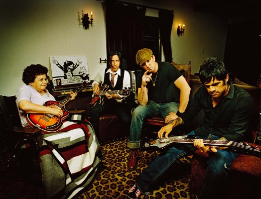 Queens of the Stone Age 520x396 Interview with FanBridge: Social media smarts for musicians