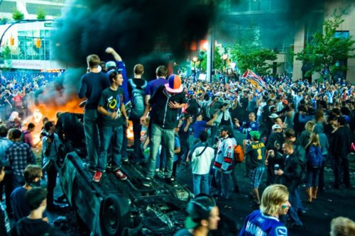 tumblr lmvekyUgM51qlxgl0o1 500 Twitter playing big role in reporting of Vancouver riot