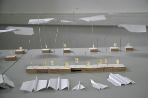 GC3 Visualizing SMS messages using paper airplanes