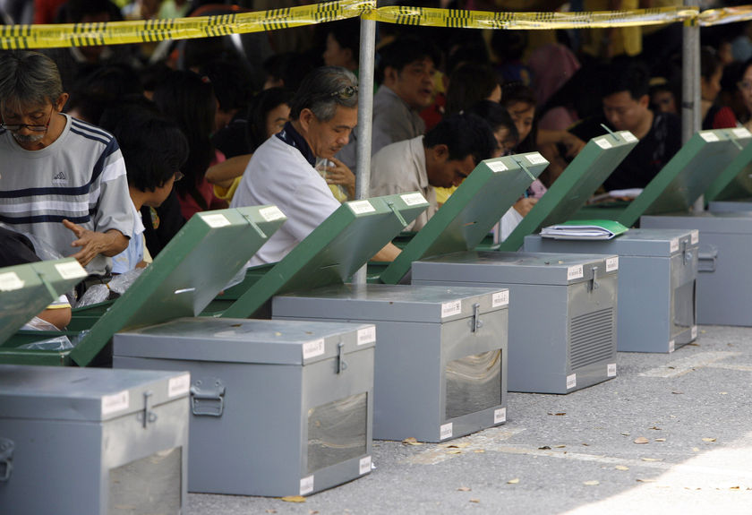 Thai Twitter users face prison if they tweet during election