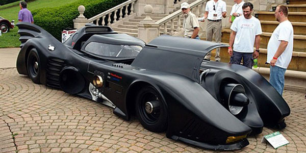 Here's a real geek's car: a fan-made, turbine-powered Batmobile.