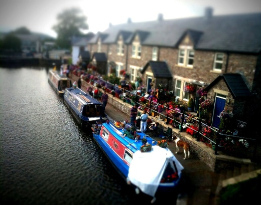 Toy town - The canal - tilt-shift effect