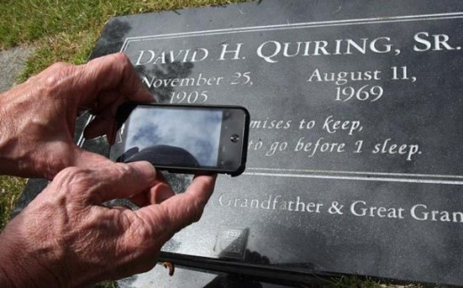2015787116 520x323 QR codes on headstones in graveyards: Is it brilliant or creepy?