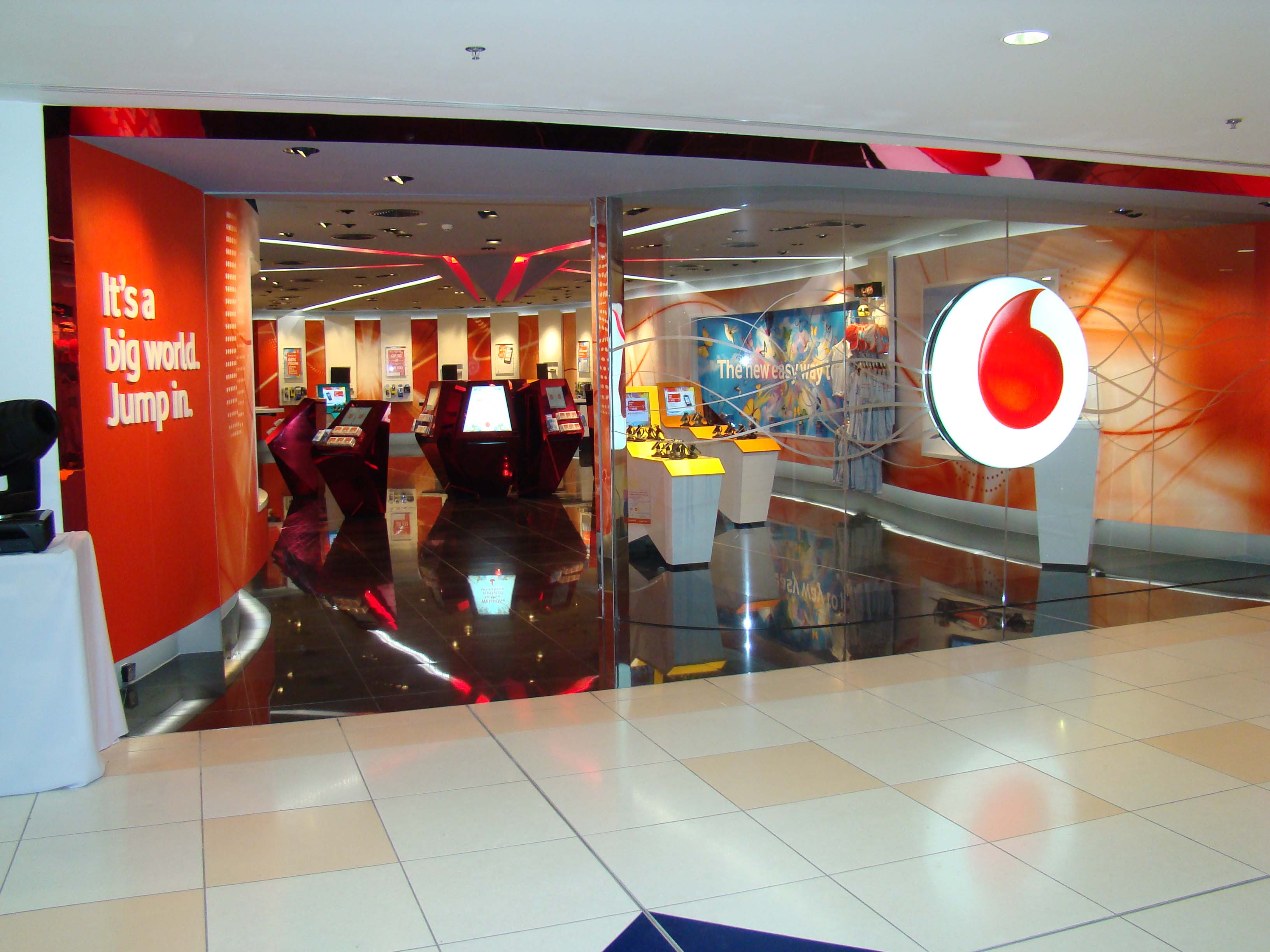 Vodafone loses 375,000 Australian customers over poor mobile reception