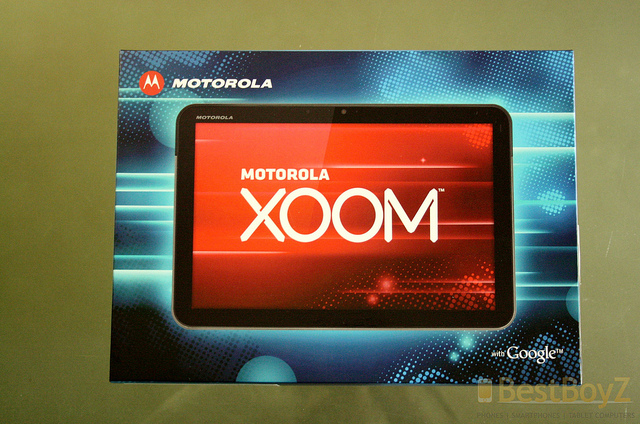 Apple sues Motorola in Europe over XOOM tablet design