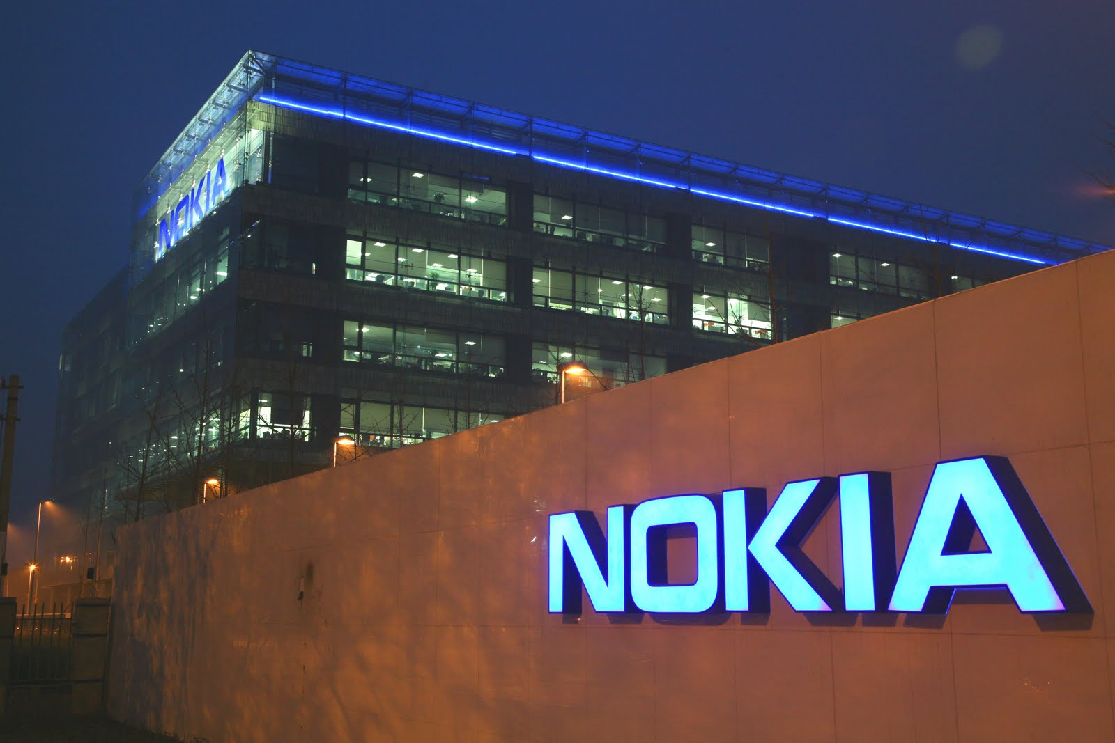 Nokia facing Chinese pressure with Symbian as Windows Phone launch looms