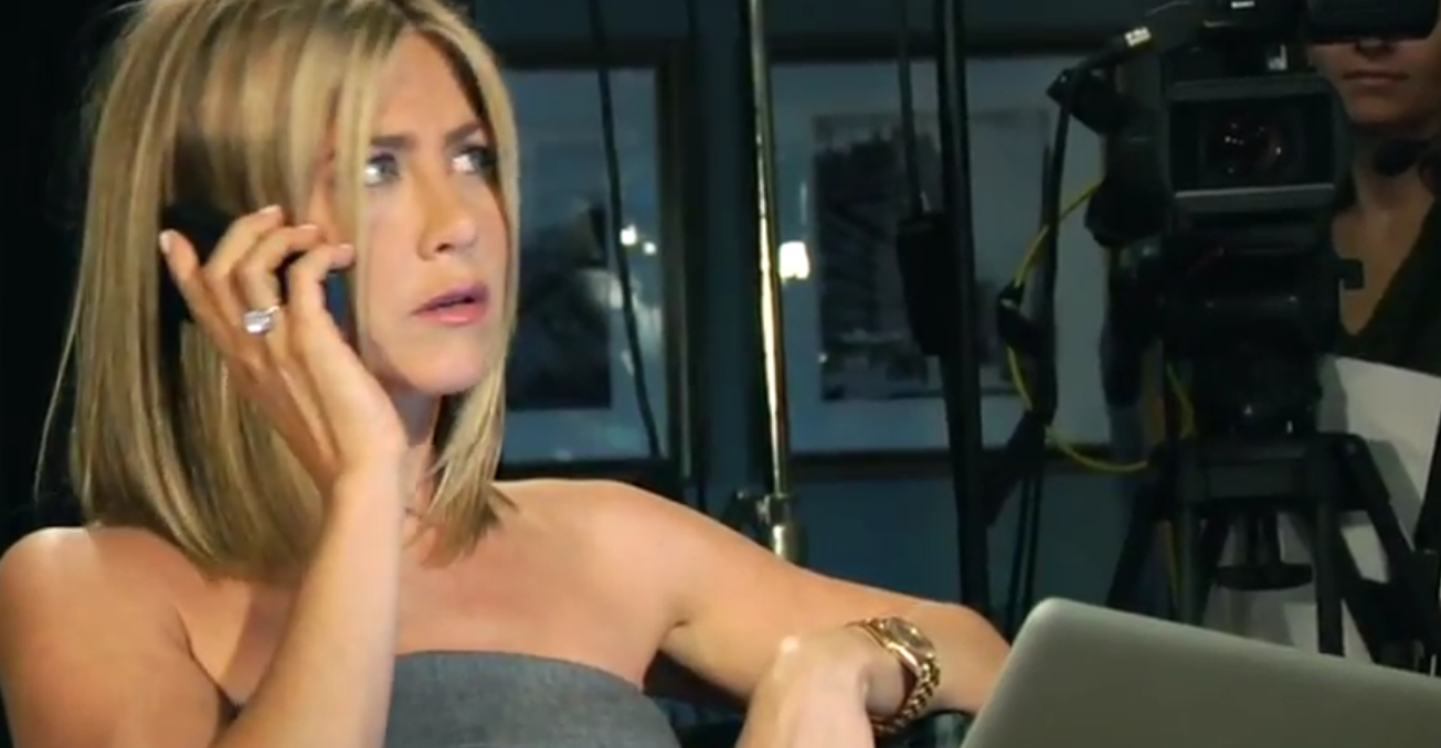 "Ben Stiller uses ""naked"" Jennifer Aniston to promote his new Facebook campaign"