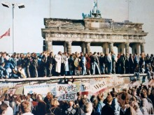 Thefalloftheberlinwall1989 220x165 Why Berlin is home to a new generation of beautiful apps