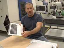 apple 220x165 Why the iPad has and will continue to dominate the tablet market