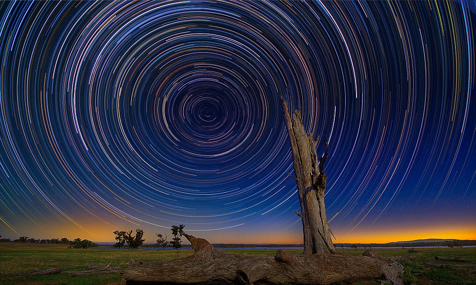Beautiful photos of star trails in the Australian night sky