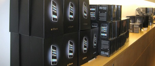 As Apples smartphone sales boom, should its rivals release fewer handsets?