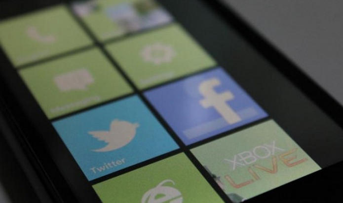 Microsoft tweaks WP7 Marketplace app rules for developers