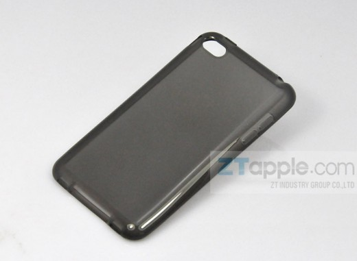 6101231816 990060ee13 b 520x381 Tons of iPhone 5 cases leak, point to a phone as thin as an iPod touch