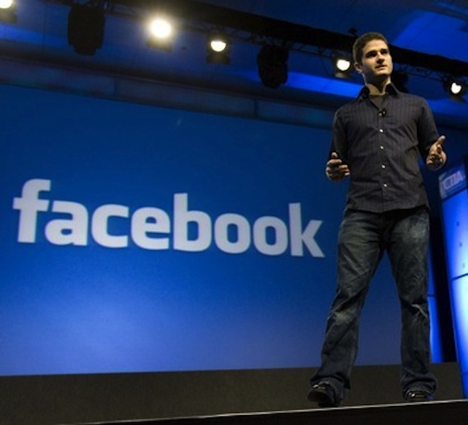 Facebook-made billionaire Dustin Moskovitz still flies economy