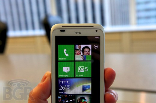 r2 520x346 The details on HTCs coming WP7 Mango handsets