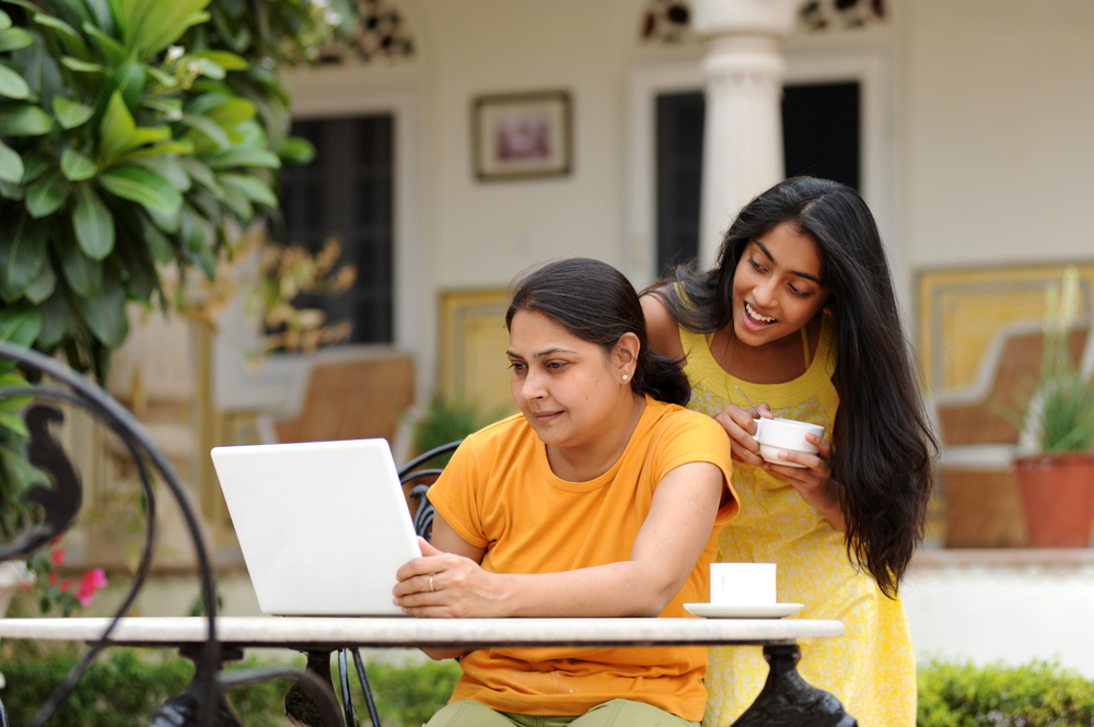 Internet users to triple in India by 2014: Google