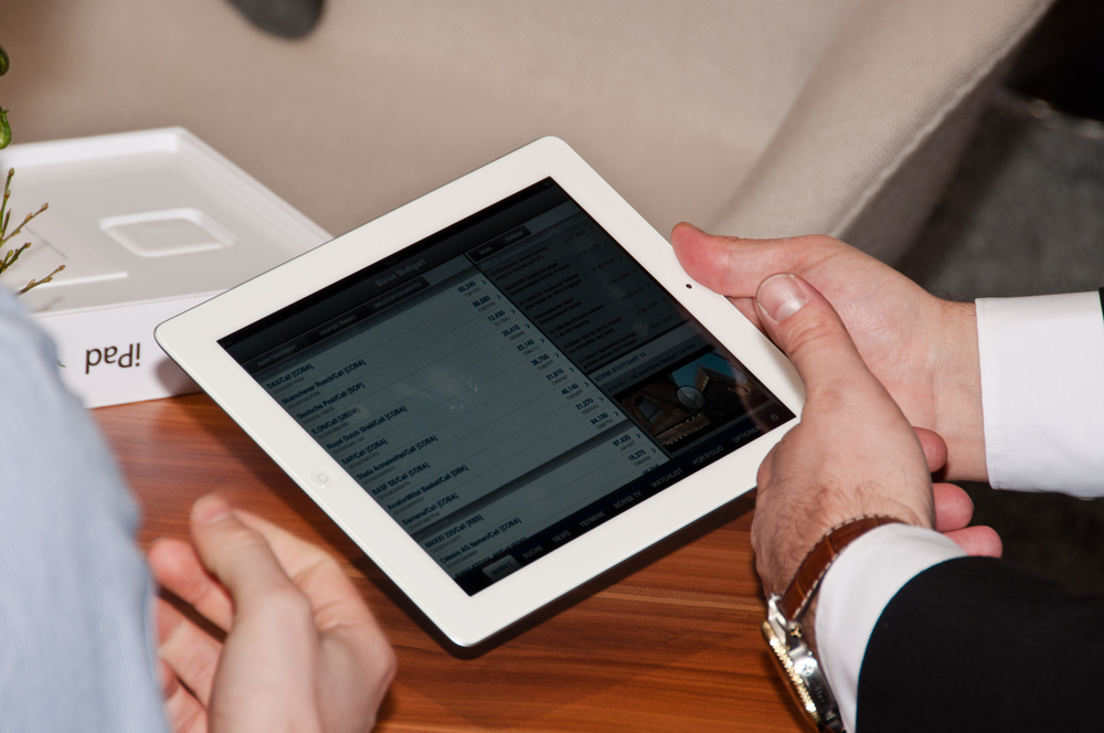 The Handshake app wants to put an iPad in every wholesaler's hands