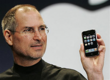steve jobs iphone 220x160 The 10 most disruptive gadgets of the past 10 years