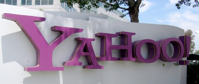 "Yahoo reportedly ""open to selling itself to the right bidder"""