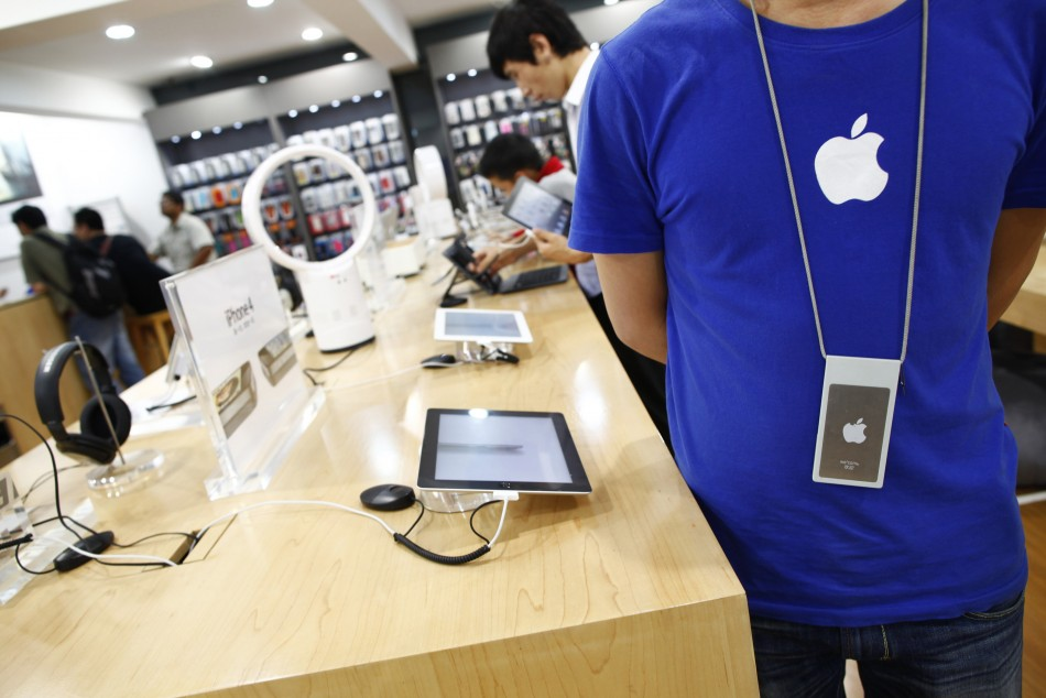 Apple reportedly to allow customers to pick up online orders in store