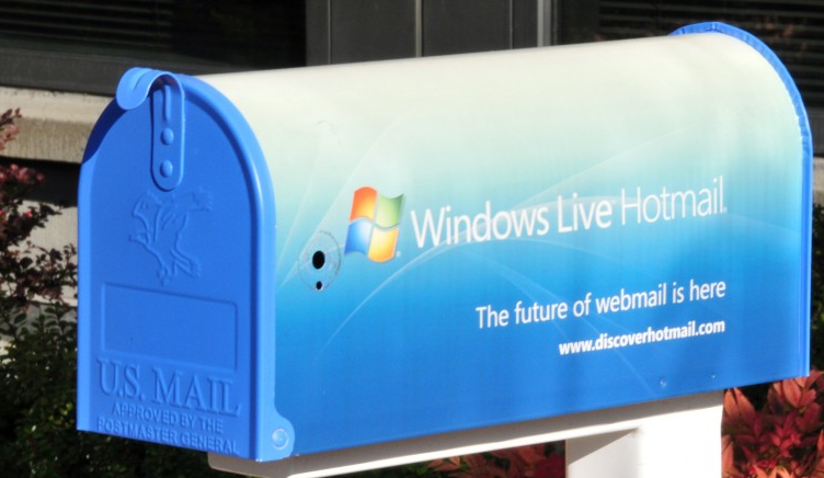 Microsoft announces massive Hotmail update to better combat Gmail