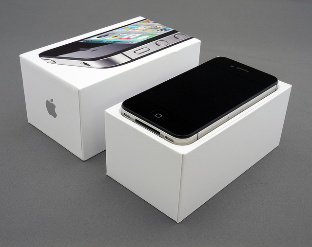 Apple's iPhone 4S now available in additional launch countries