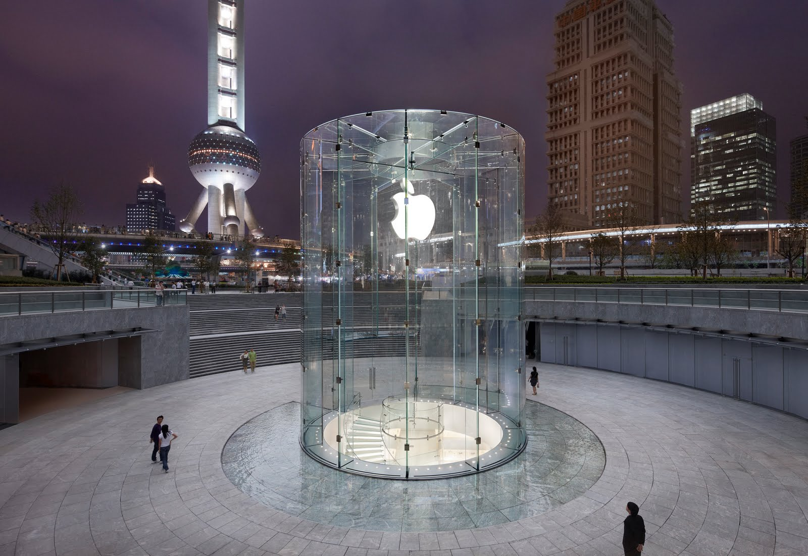 Opening weekend at Apple's Shanghai store drew 100,000 visitors