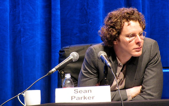 Napster co-founder Sean Parker tips a Hollywood waitress $5k