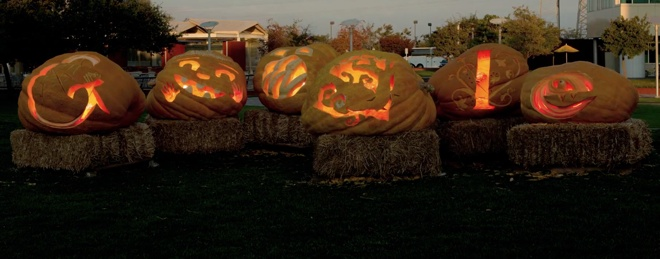 Googlers carve real-life Doodle into giant pumpkins for Halloween [Video]