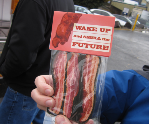 2011 11 21 1546 520x435 Microsoft offers bacon to Amazon engineers in hopes of poaching them