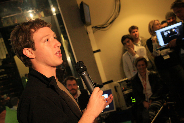 Mark Zuckerberg Discusses 'The Facebook' in 2005 [video]