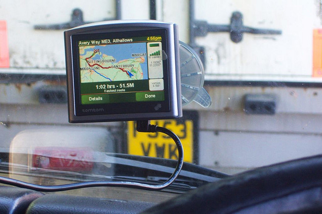 TomTom users share 5 trillion pieces of traffic data, map every road 3,000 times