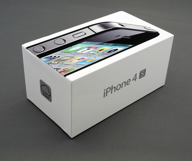 Apple begins taking orders for unlocked iPhone 4S in the US