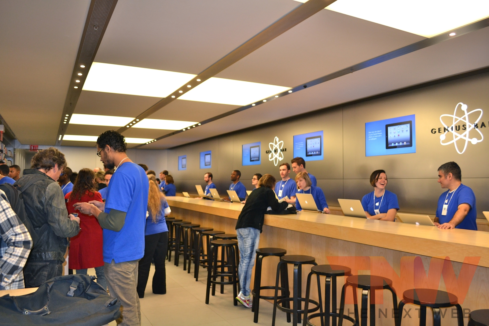 Apple updates 'Apple Store' app to add EasyPay and Personal Pickup features