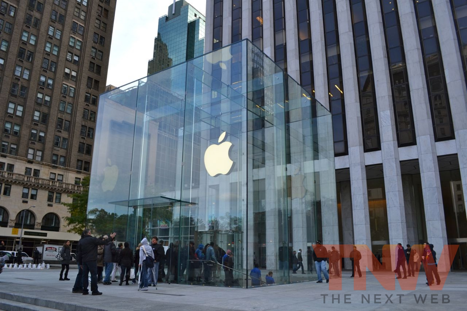 A complete tour of Apple's revamped 5th Avenue NYC Store [Photos]