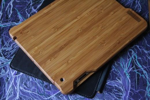 IMG 5454 520x346 TNW Review: Grove uses bamboo, leather and lasers to protect your iPad 2