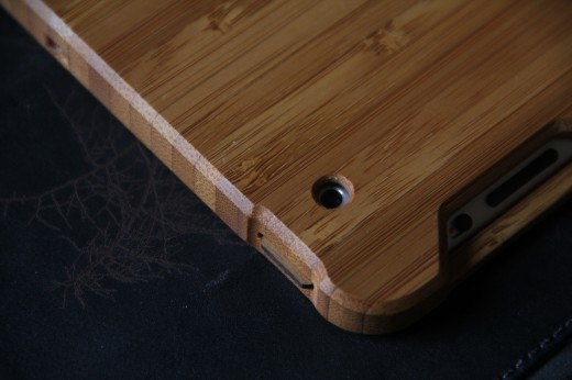 IMG 5457 520x346 TNW Review: Grove uses bamboo, leather and lasers to protect your iPad 2