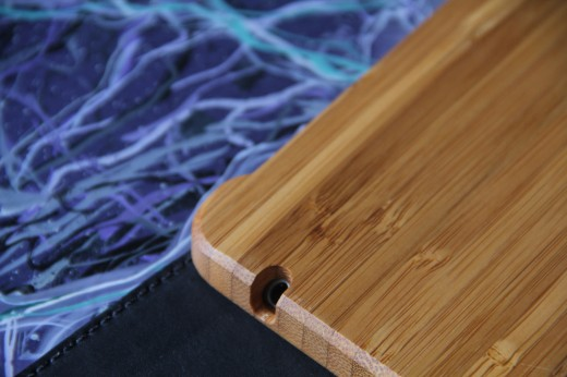 IMG 5458 520x346 TNW Review: Grove uses bamboo, leather and lasers to protect your iPad 2