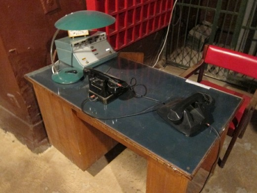 garud desk 520x390 This declassified USSR bunker is straight out of your nightmares