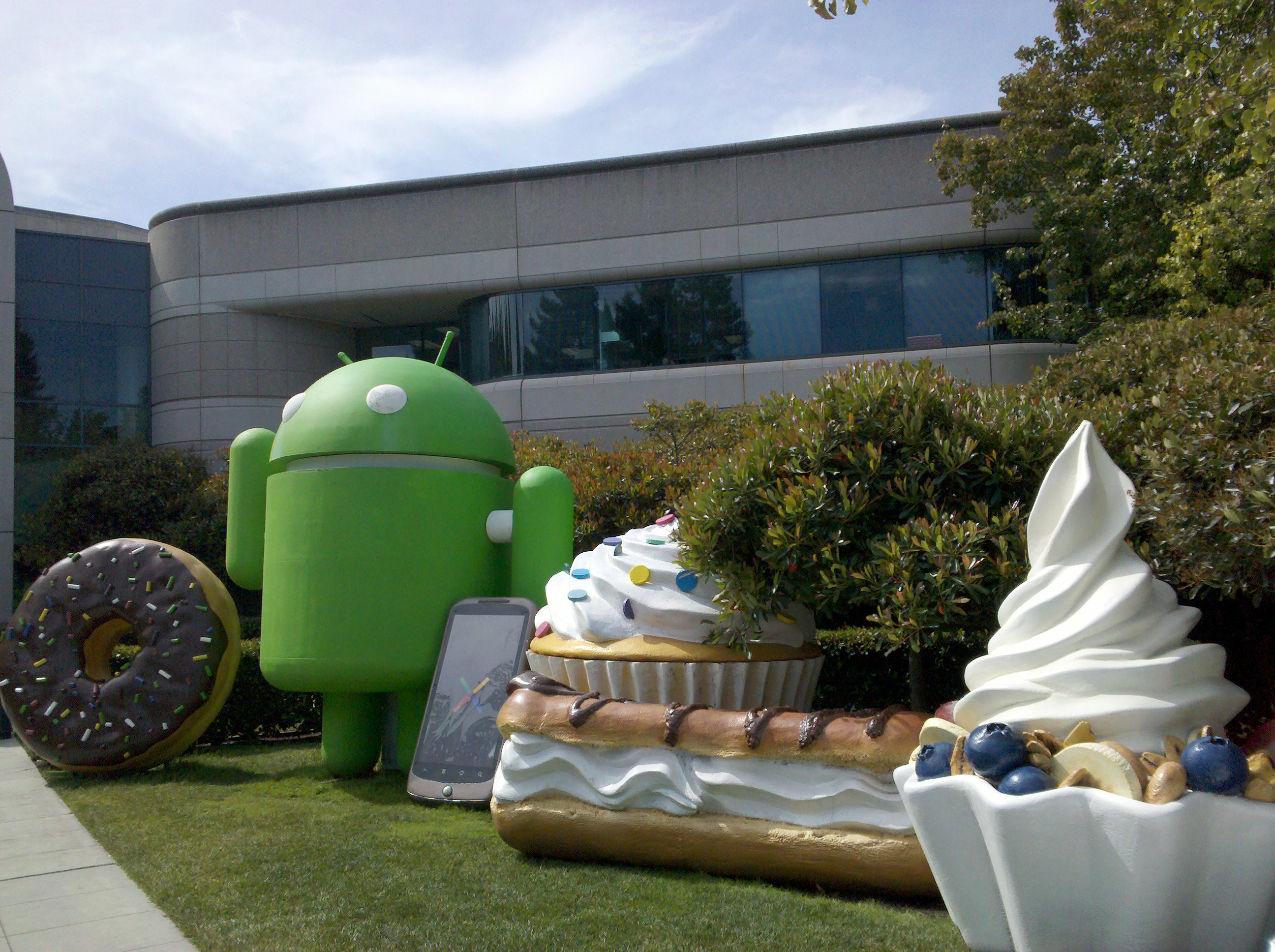 Take a closer look at Android's 10 billion app downloads [Infographic]