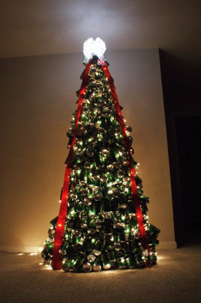 tin can christmas tree Heres a cool Christmas tree you can build if you have 3,000 spare cans