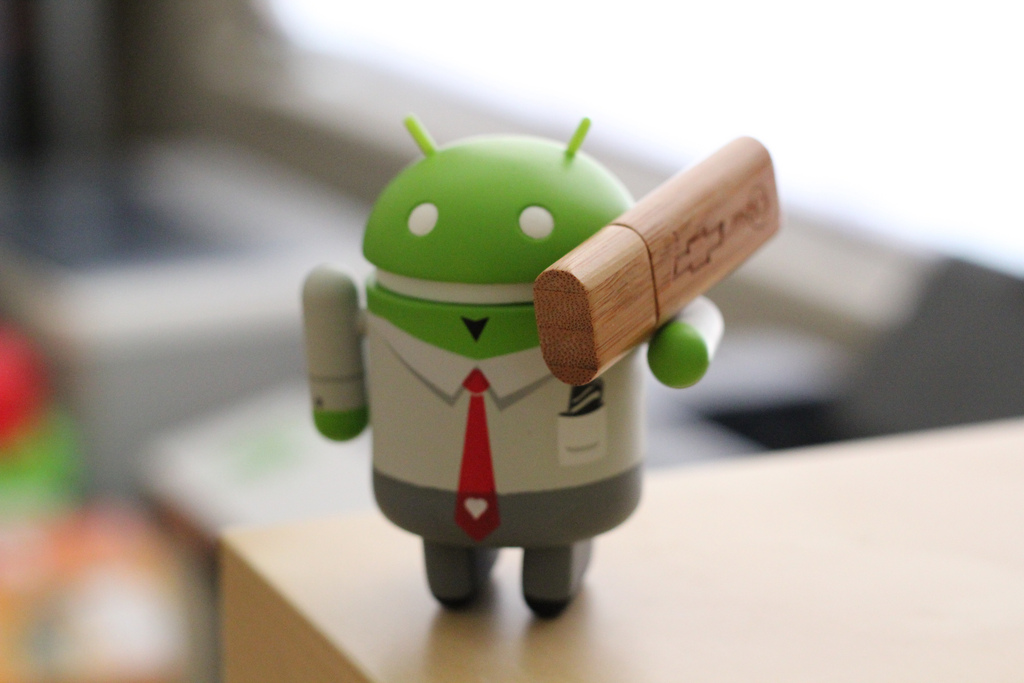 Google updates Android Market, reviewer's handset model & app version now included